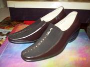 Продам новые туфли для женщины,