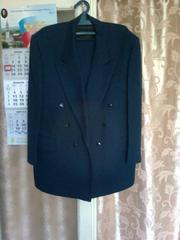 Продам костюм мужской НОВЫЙ двубортный